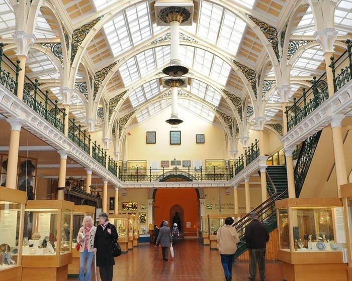 Những địa điểm du lịch ở Birmingham - Bảo tàng & Phòng triển lãm Nghệ thuật Birmingham