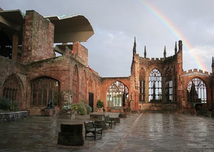 Những địa điểm du lịch ở Birmingham -Nhà thờ St. Michael, Coventry
