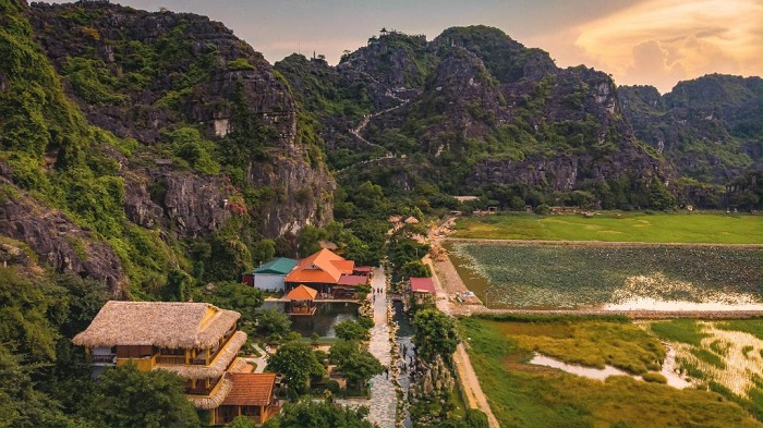 An introduction to the Ninh Binh Dance Cave Ecolodge