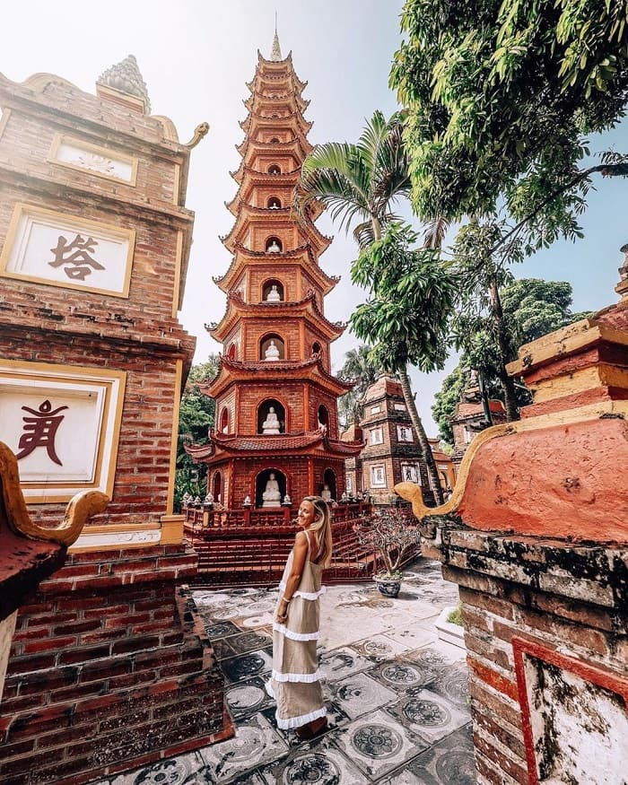 Chùa Trấn Quốc điểm du lịch tâm linh ngày Tết gần Hà Nội