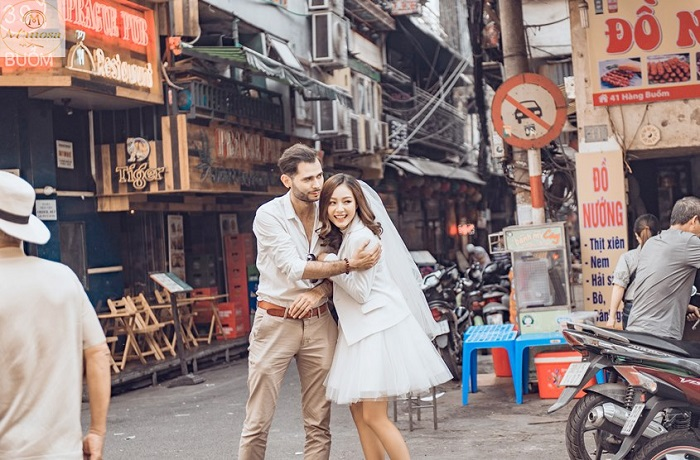 Dating place in Hanoi - Old town-mimosa