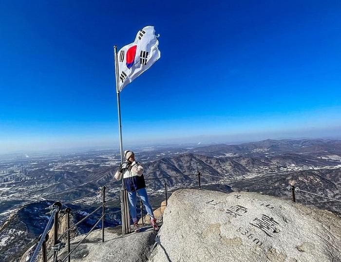đường mòn đi bộ Hàn Quốc - check in núi Bukhansan