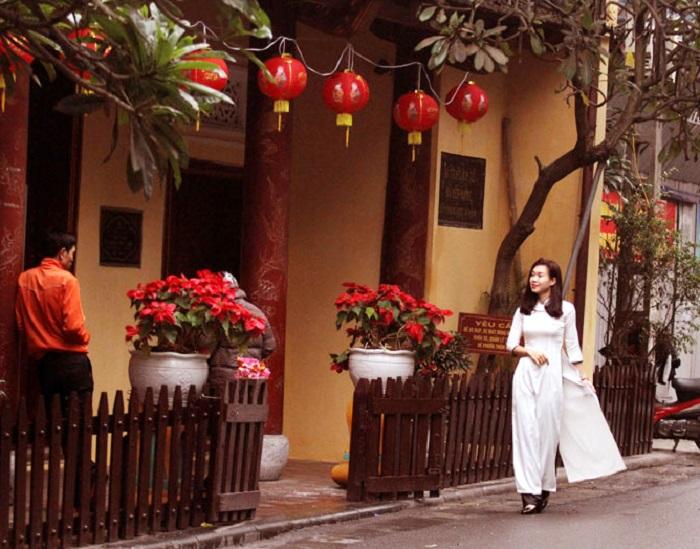 Đền Bạch Mã - điểm du lịch tâm linh ngày Tết gần Hà Nội