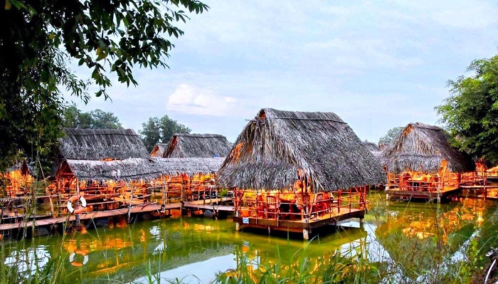 crisis like the river region in Long Trung eco-tourism area