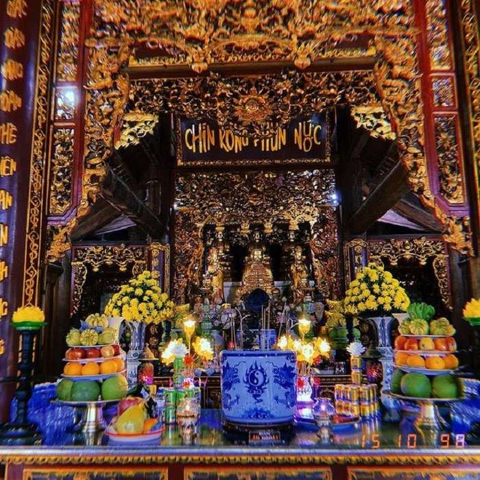 experience at the end of the year Con Dao ceremony - a ceremony to go to the temple