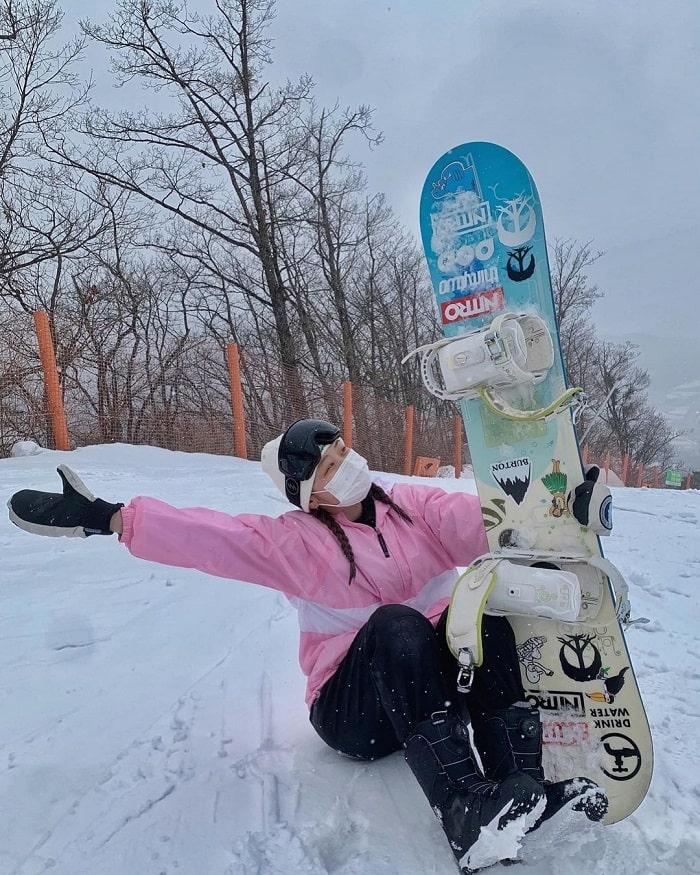 kinh nghiệm du lịch Hàn Quốc tháng 2 - thử trượt tuyết