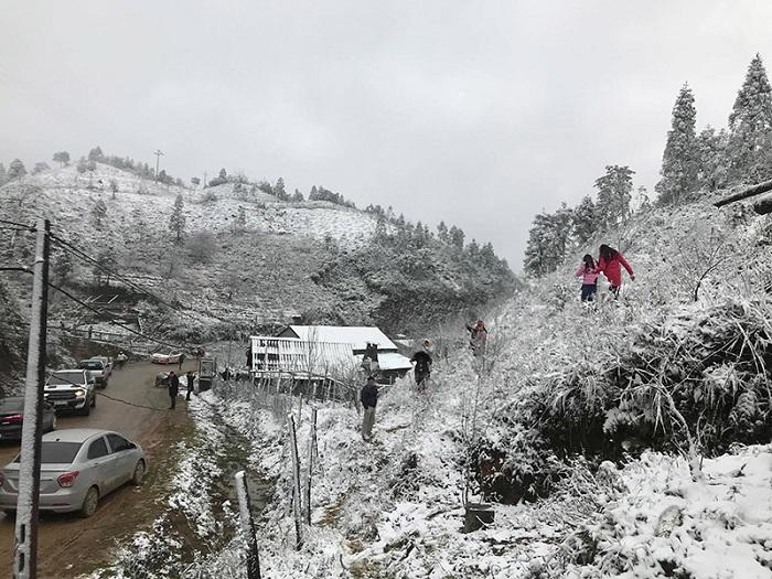 Experience snow hunting in Sapa _vietnammoi