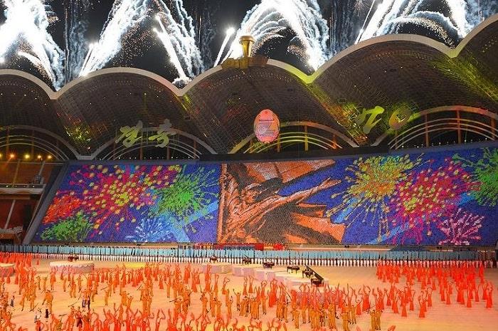 glowing light - interesting point of the Korean Arirang Festival