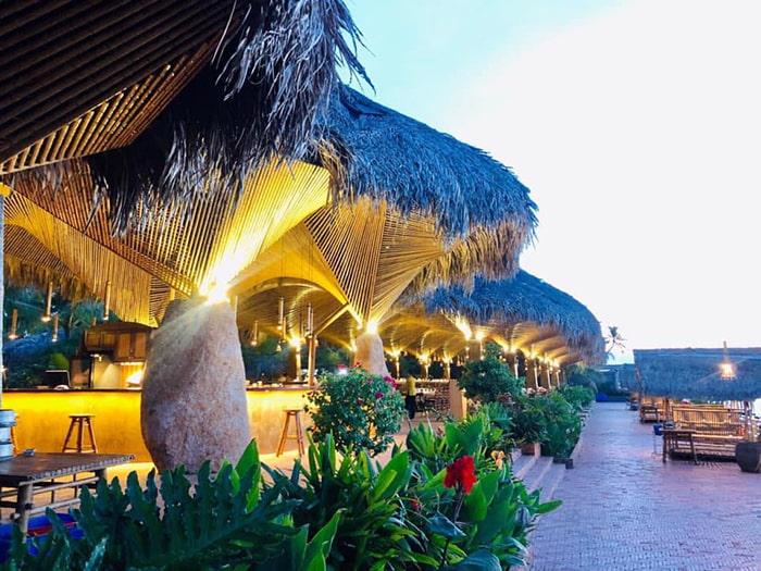 Làng sinh thái ẩm thực Quê Dừa - Lối kiến trúc độc đáo