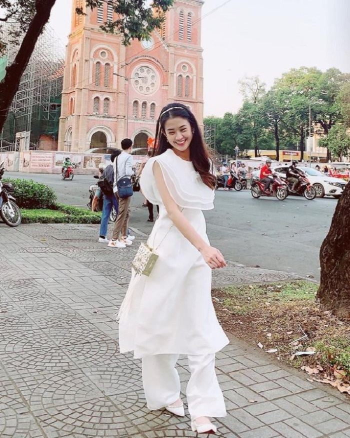What to wear to take photos of Tet?  Innovative ao dai
