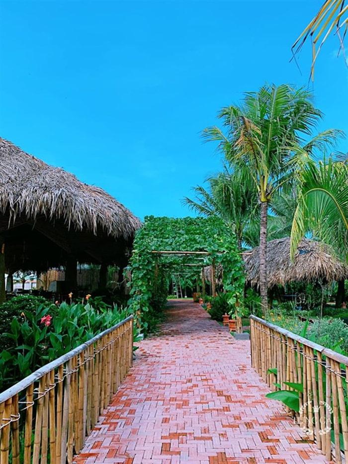 Làng sinh thái ẩm thực Quê Dừa - Những tiểu cảnh vườn quê