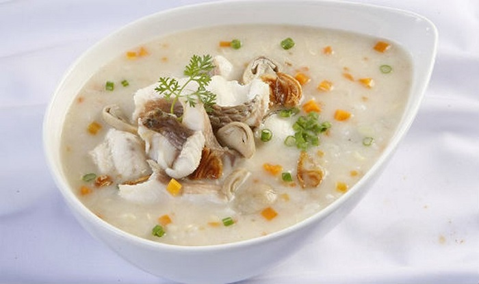 Delicious food in Mong Cai - Variety of porridge in Khanh Ly restaurant