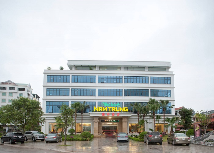 Good food restaurant in Mong Cai - Southern Chinese seafood and specialty restaurant
