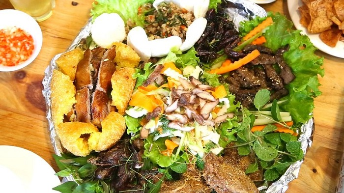 Delicious food in Mong Cai - Thanh Thuy Restaurant