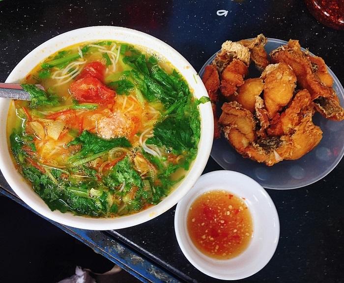 A good restaurant in Uong Bi - Ba Hao fish noodle shop