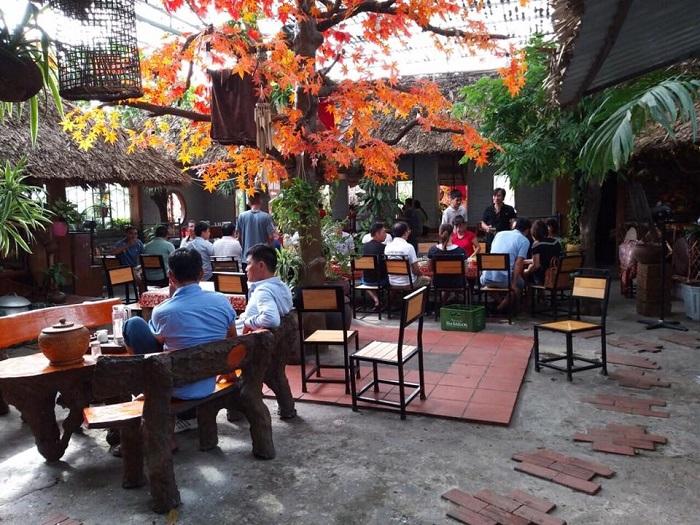 Delicious food in Uong Bi - Restaurant Corner Viet Quan