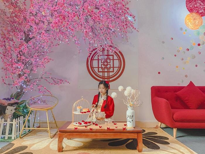 quán cafe trang trí Tết ở Hà Nội Em-sweet-rose-diuu-linn-2