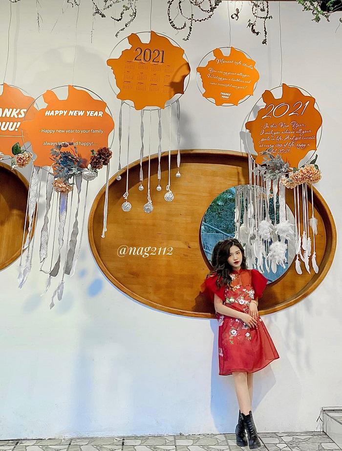 quán cafe trang trí Tết ở Hà Nội - moment-cafe-1