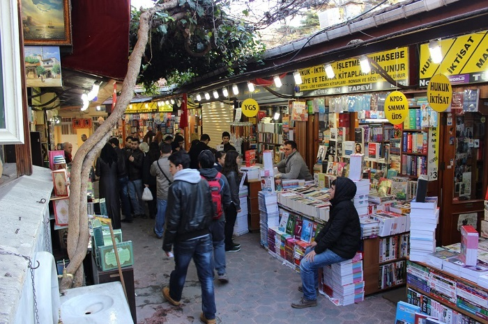 Chợ Sahaflar khu chợ ở Istanbul nổi tiếng