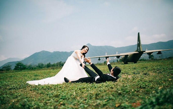 Ta Con Quang Tri Airport - the place for wedding photography