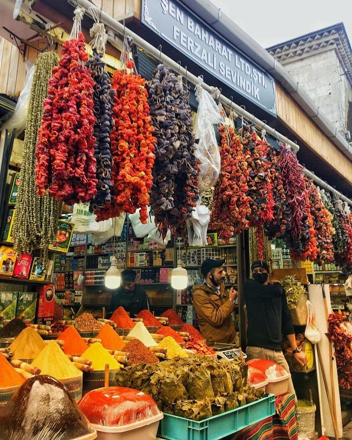 Spice Bazaar khu chợ ở Istanbul nổi tiếng