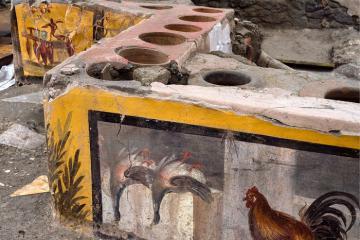 Phát hiện đầy bất ngờ: 'Quầy bar' đã có mặt từ cách đây 2000 năm?!