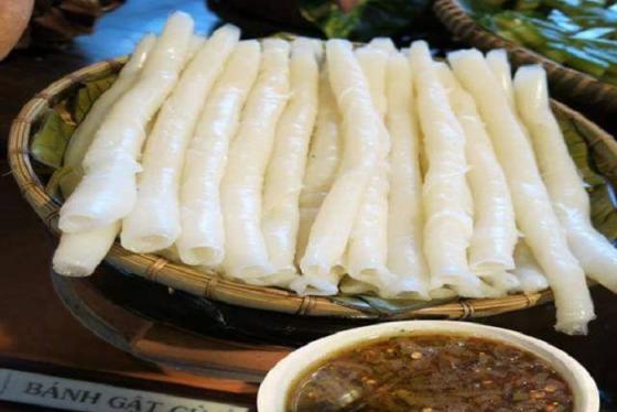 Thưởng thức đặc sản bánh gật gù Quảng Ninh ngon nức lòng du khách gần xa