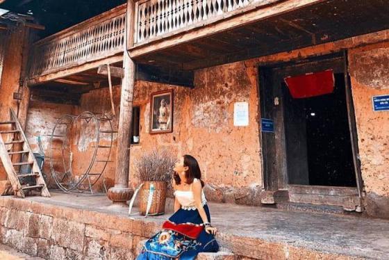 Nhà của Pao Hà Giang - ngôi nhà cổ đẹp kỳ lạ giữa miền biên viễn