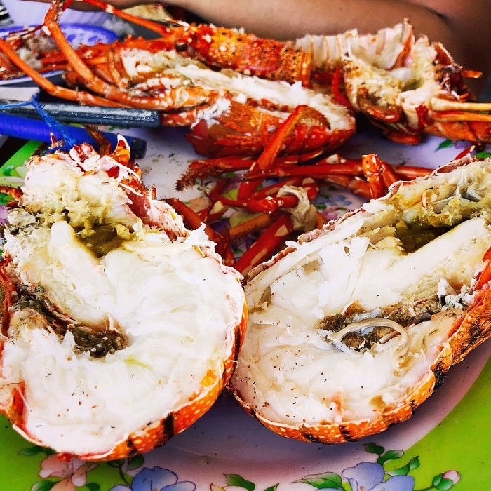 Con Dao fire lobster - steamed everything
