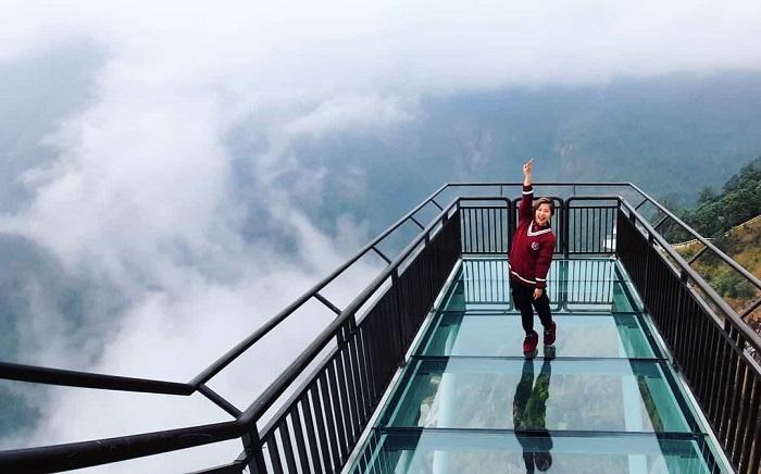 tour Đông Tây Bắc Tết Âm lịch 2021 - check in cầu kính Rồng Mây