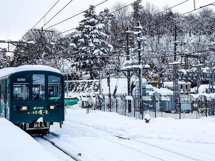 trải nghiệm mùa đông Nhật Bản dưới tiết trời lạnh giá