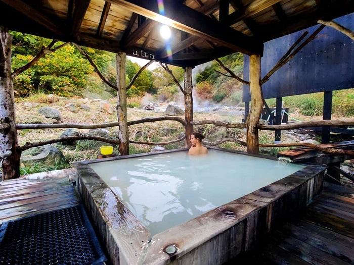 trải nghiệm mùa đông Nhật Bản - tận hưởng tắm Onsen