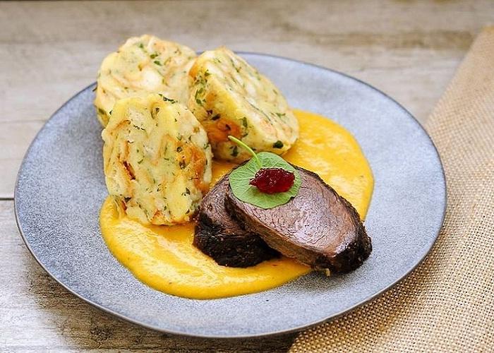 thịt, tinh bột , bơ - nét ẩm thực thú vị trong văn hóa Cộng hòa Séc