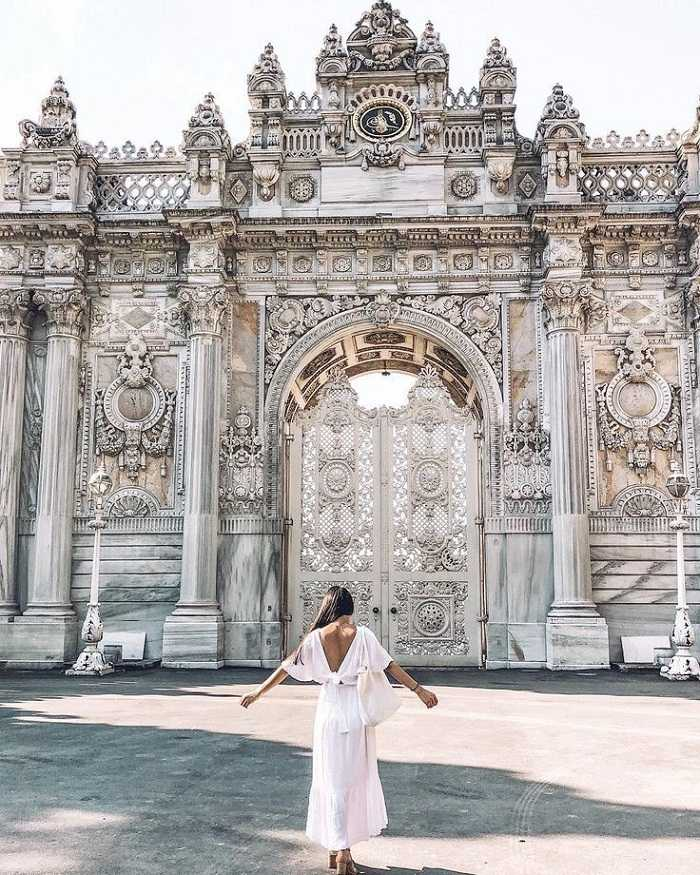Stunning architecture of Turkish Dolmabahce palace