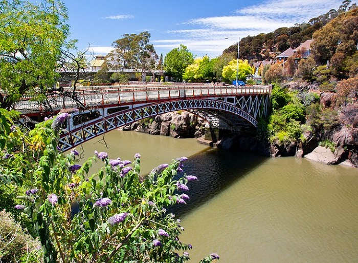 Tourism Launceston - the second largest city in the state of Tasmania in Australia