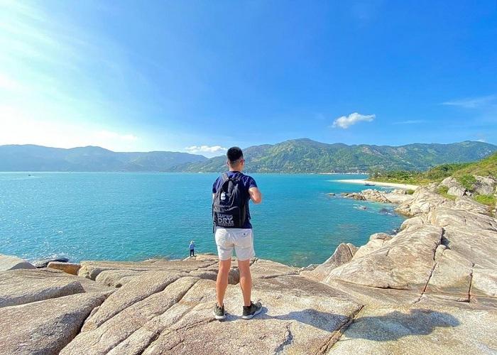 Khám phá vẻ đẹp hoang sơ của thiên đường ngủ quên Hòn Nưa Phú Yên
