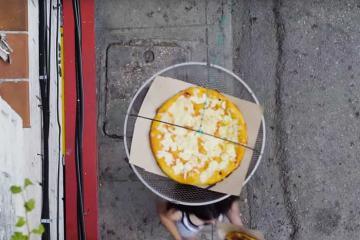 Tin được không: Bánh pizza bay ở Cuba?