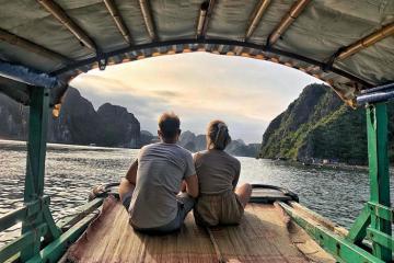 Khám phá vẻ đẹp hoang sơ của vịnh Lan Hạ Quảng Ninh