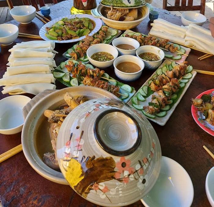 ẩm thực - phần ấn tượng của Nhất Lâm Thủy Trang Trà Đà Nẵng