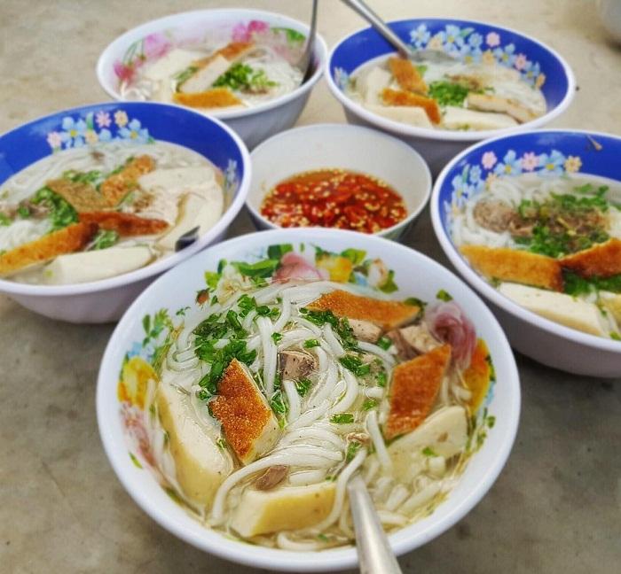 Kinh nghiệm du lịch Phan Thiết - thưởng thức bánh canh