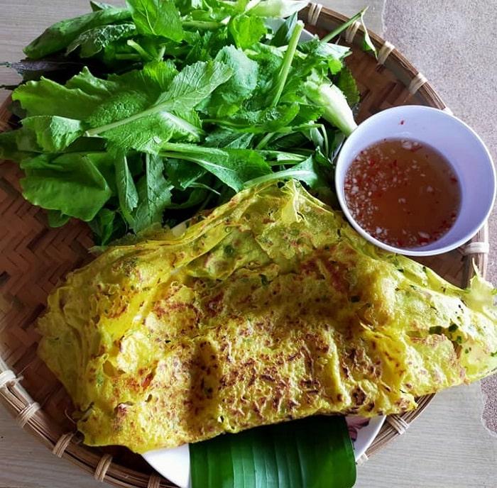 banh xeo - a delicious dish at Four Seasons Garden in Dong Nai