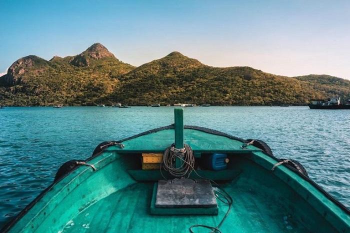 du lịch Côn Đảo chơi gì - đi thuyền lặn ngắm san hô