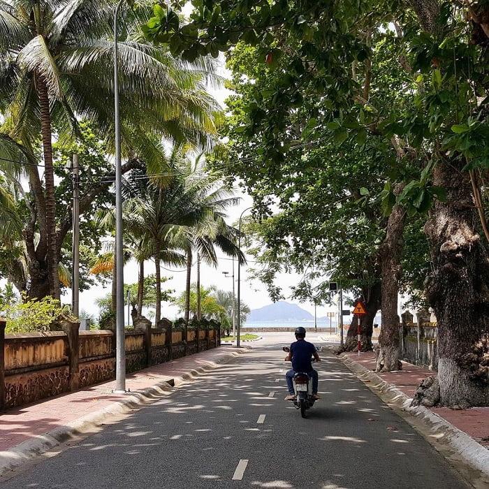 du lịch Côn Đảo chơi gì - phượt xe máy