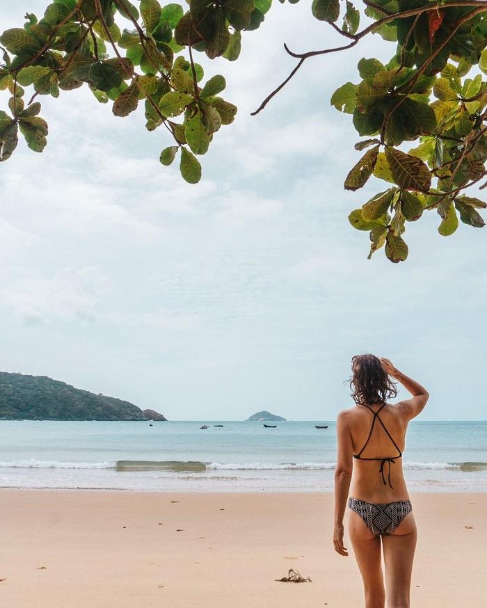 du lịch Côn Đảo chơi gì - tắm biển yên bình