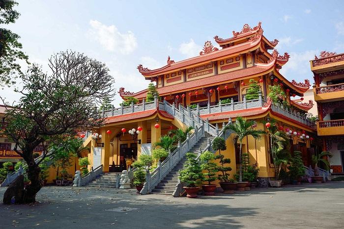 Pho Quang Tan Binh Pagoda - unique architecture