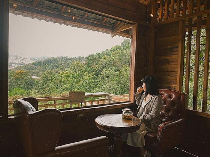 con đường Hàn Quốc ở Đà Lạt - quán cafe mộc mạc