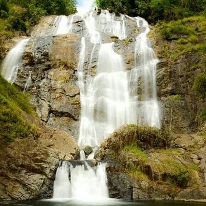 The majestic beauty of Chapơ waterfall