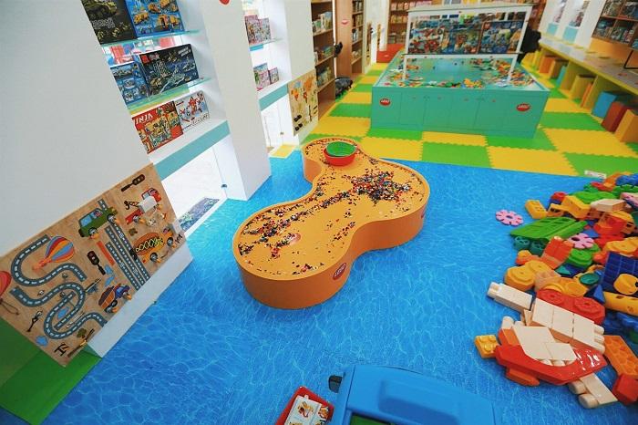 Công viên Lego Water Park - khu trong nhà
