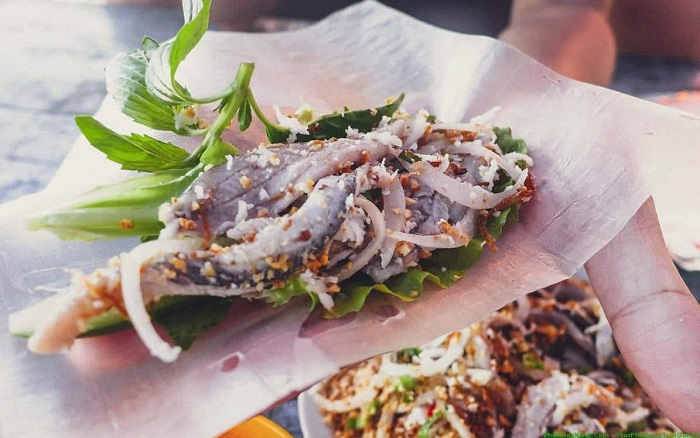 Specialty herring salad Phu Quoc - specialty Phu Quoc