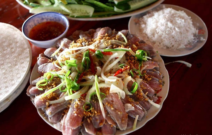 Specialties herring salad Phu Quoc - the address of the Green River restaurant